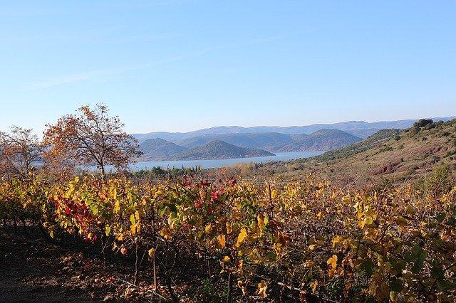 Le lac du Salagou près de Clermont-l'Hérault