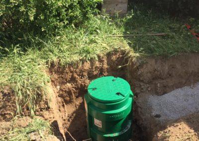 Pose d'une micro-station d'épuration PureStation 6 EH Aliaxis et d'un kit d'irrigation par Assainissement Charbonnier à Lignan sur Orb (34)